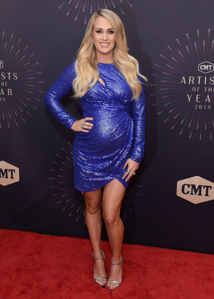 Carrie Underwood Legs Pics