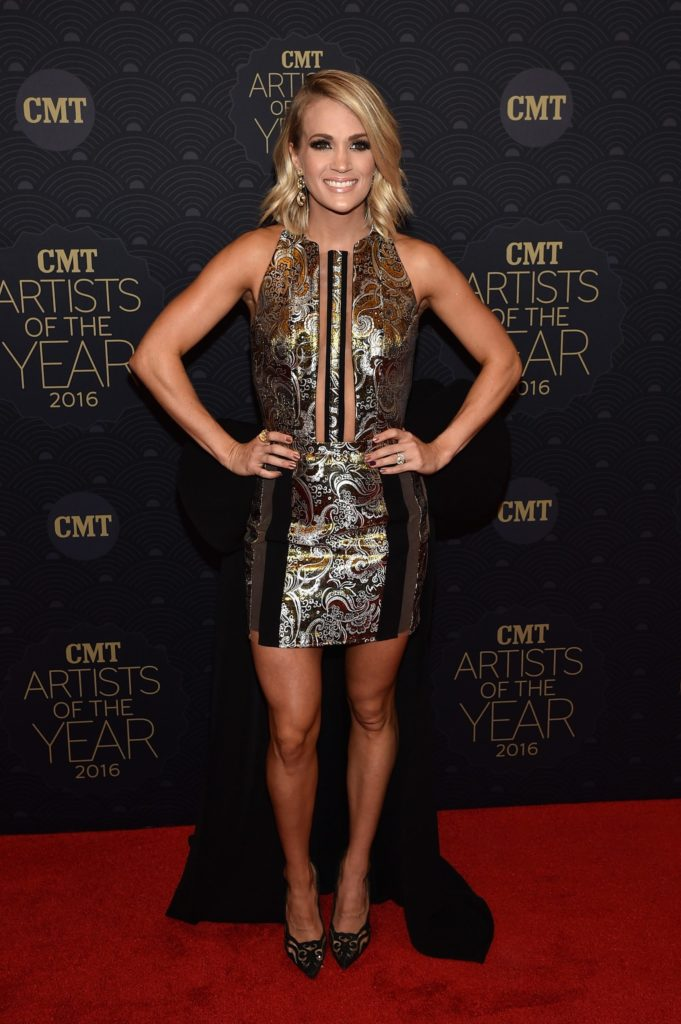 Carrie Underwood Legs Wallpapers
