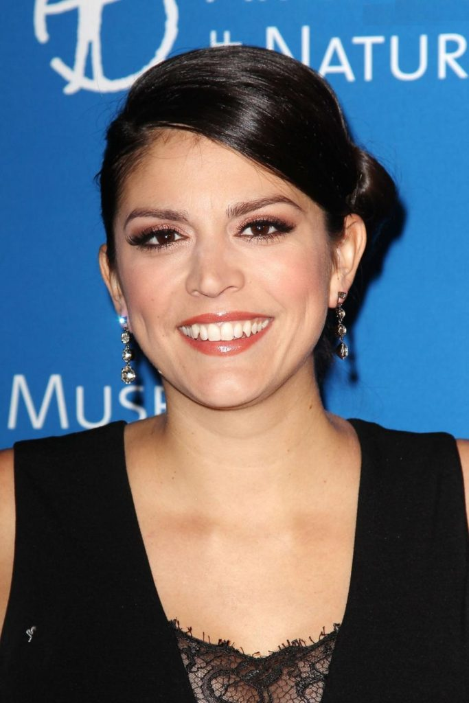 Cecily Strong Boobs Wallpapers