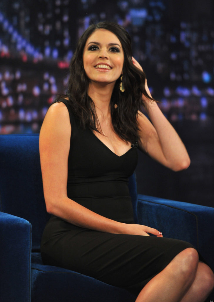 Cecily Strong Leaked Pictures