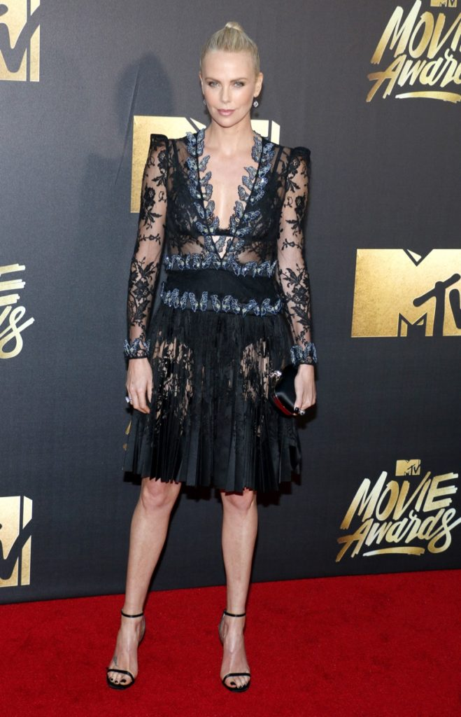 Charlize Theron Legs Wallpapers