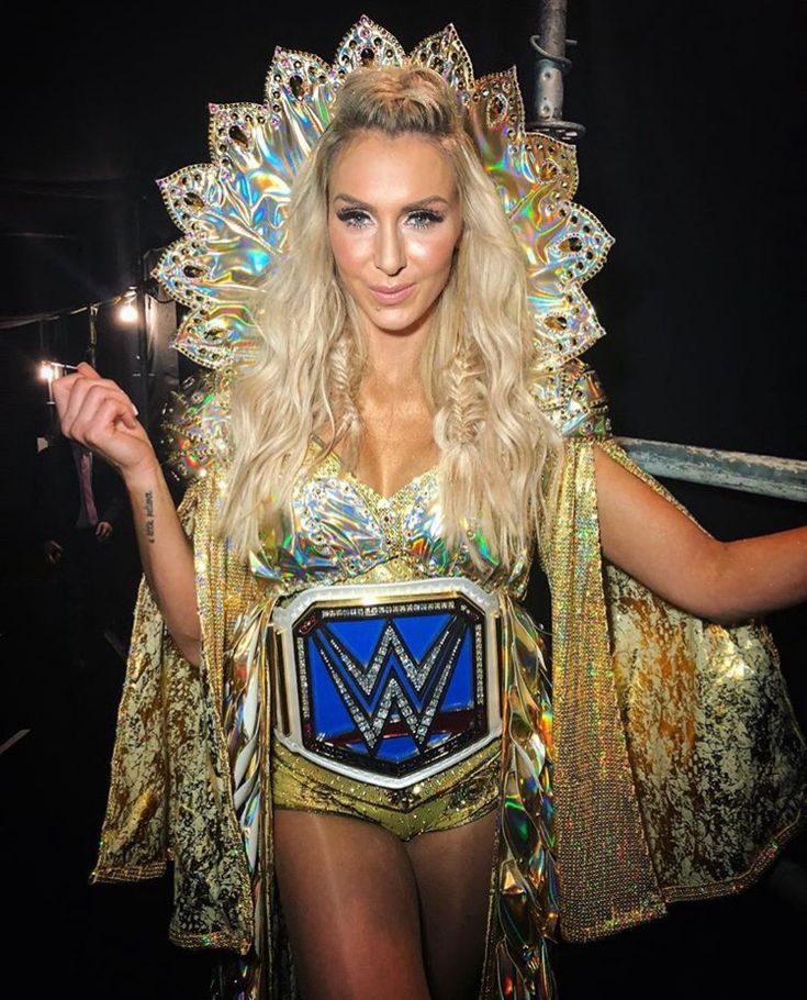 Charlotte Flair Leaked Pictures