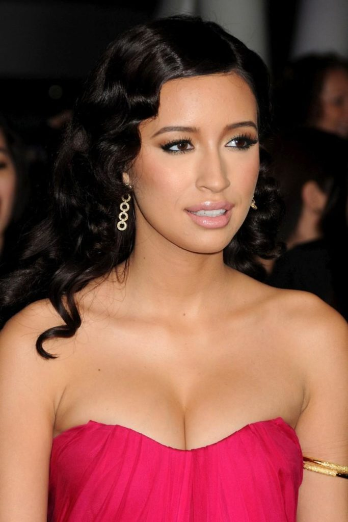 Christian Serratos Boobs Pictures