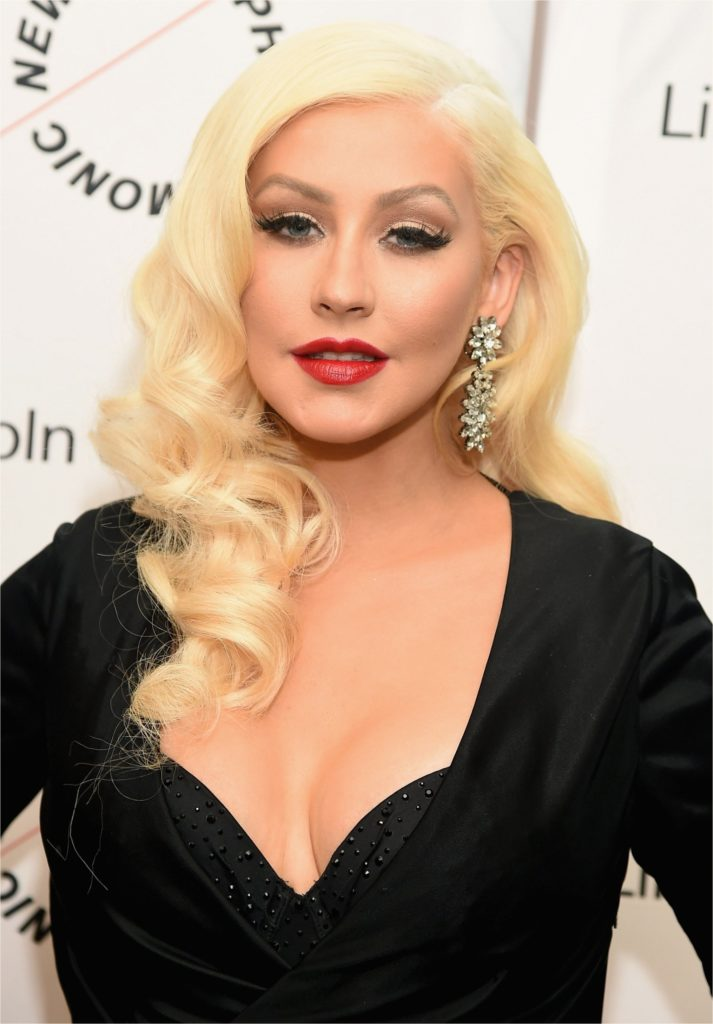 Christina Aguilera Boobs Pictures
