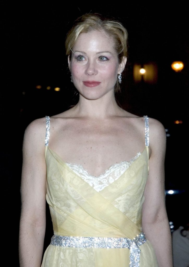 Christina Applegate Bra Photos