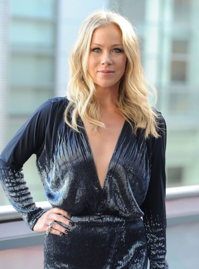 Christina Applegate Hair Style Wallpapers
