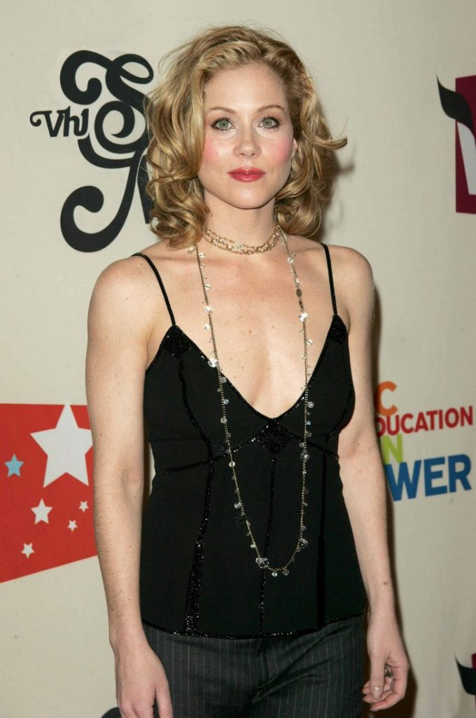Christina Applegate Haircut Pics