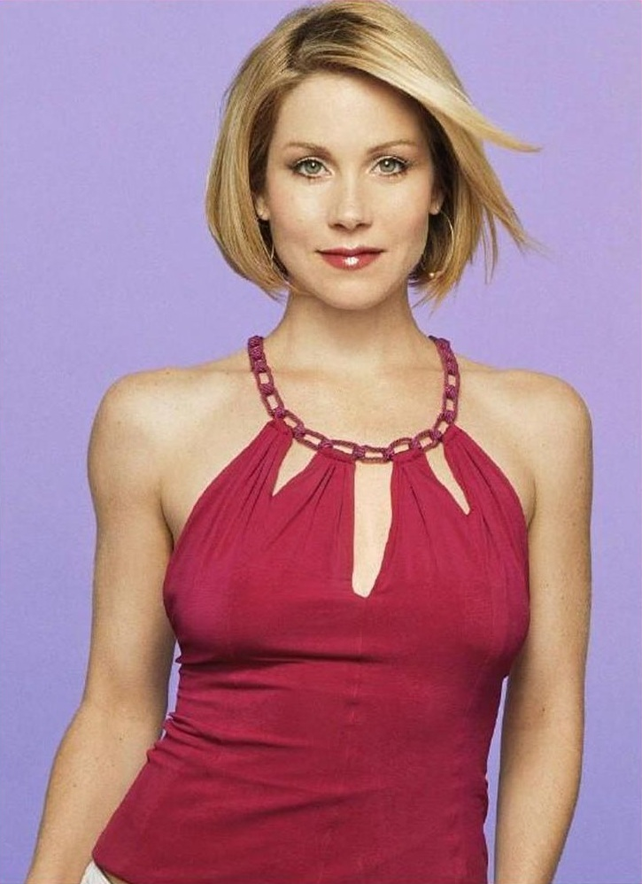 Christina Applegate Smile Face Pictures