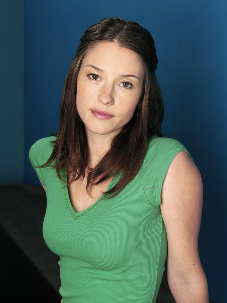 Chyler Leigh Hot Pictures