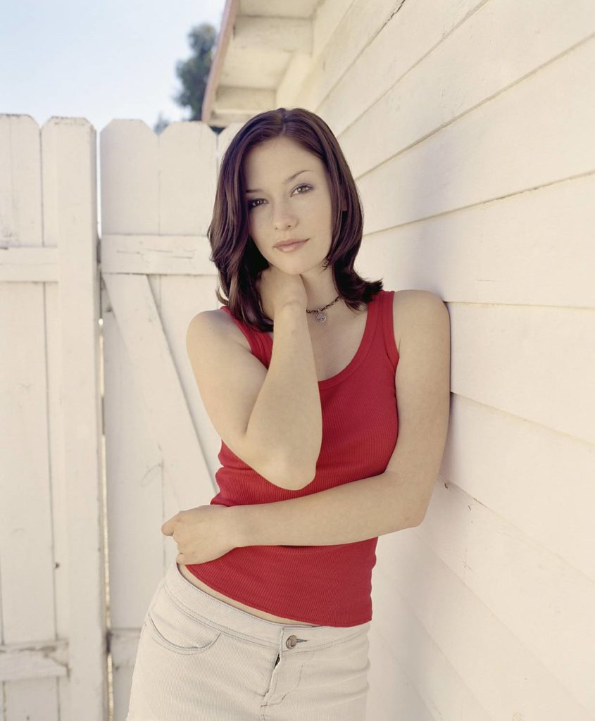 Chyler Leigh Yoga Pants Wallpapers