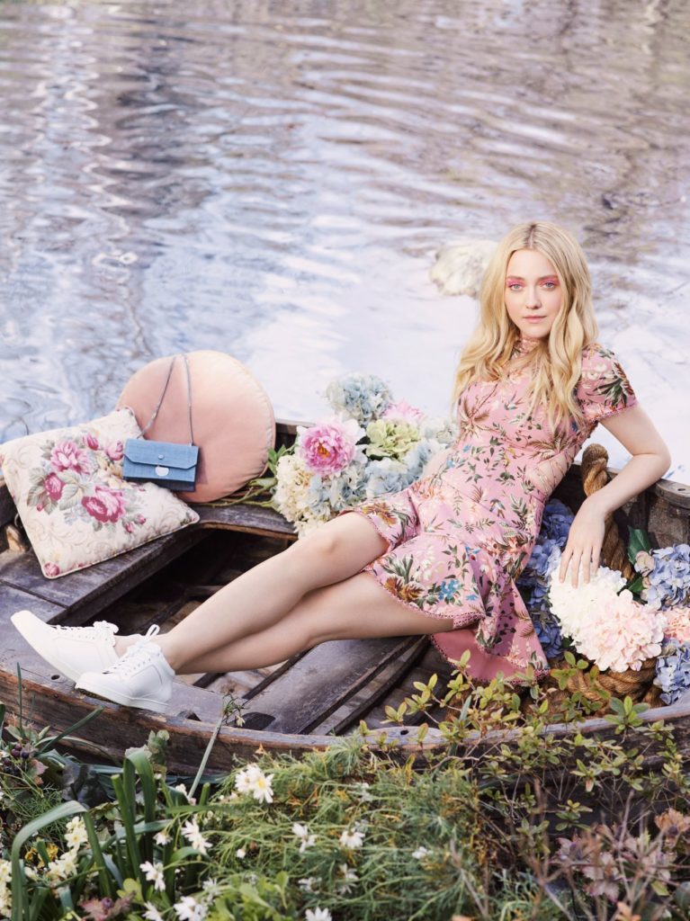Dakota Fanning Oops Moment Pictures