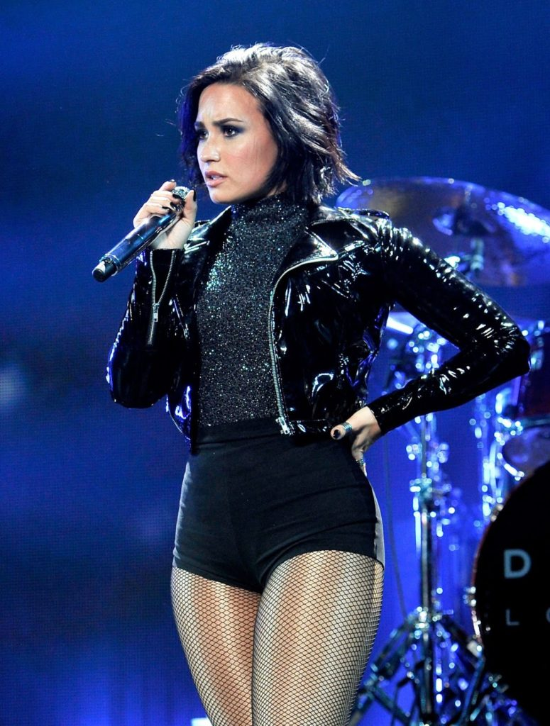 Demi Lovato Thighs Pictures