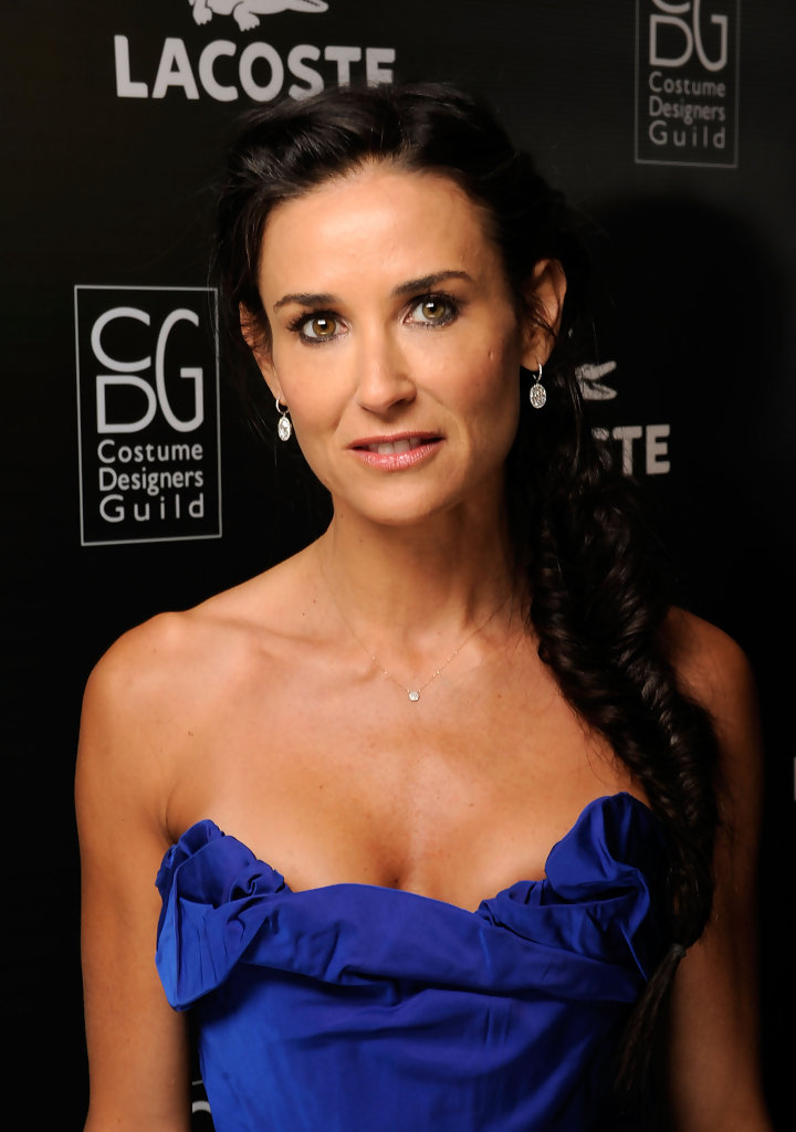 Demi Moore Braless Pictures