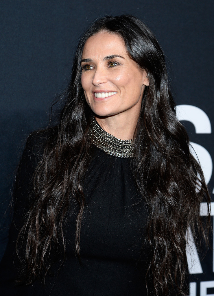 Demi Moore Cleavage Wallpapers