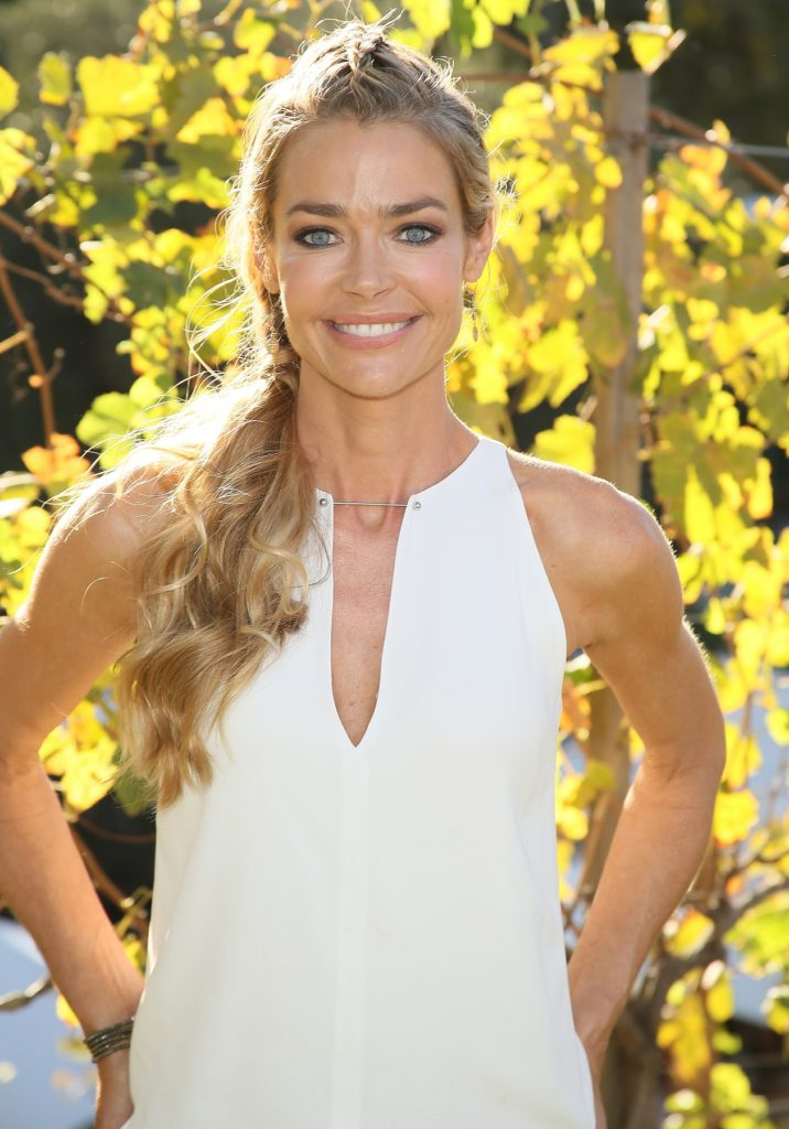 Denise Richards Leggings Wallpapers
