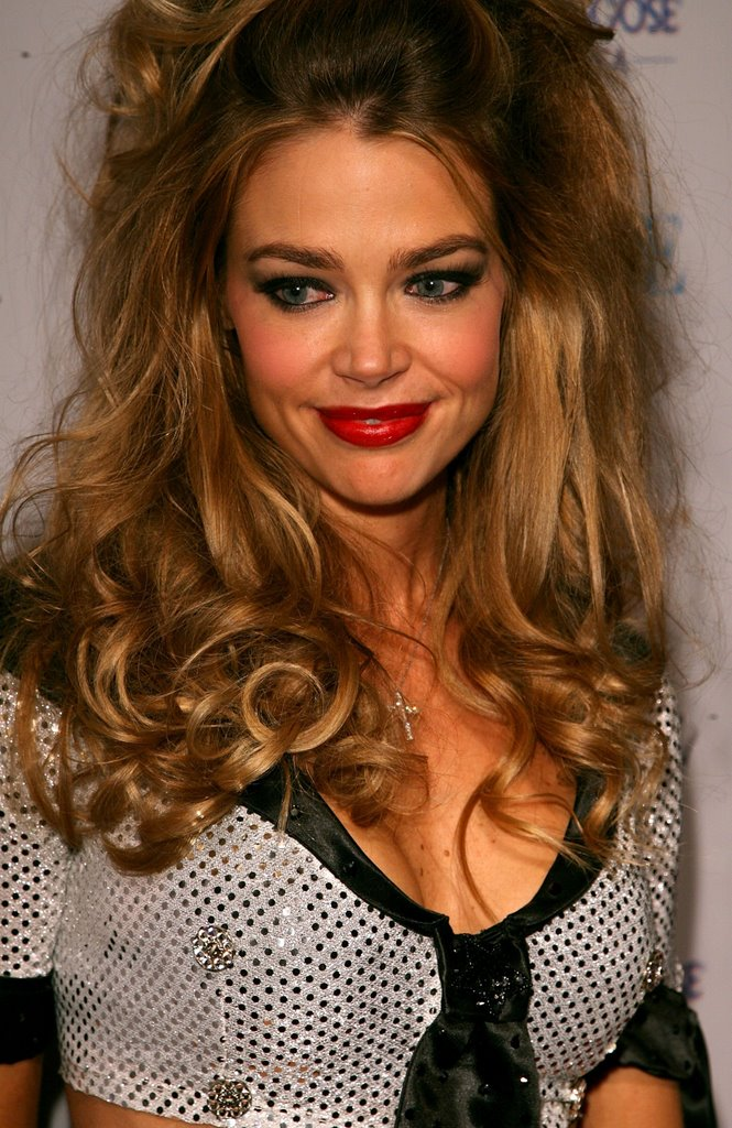 Denise Richards Topless Pics