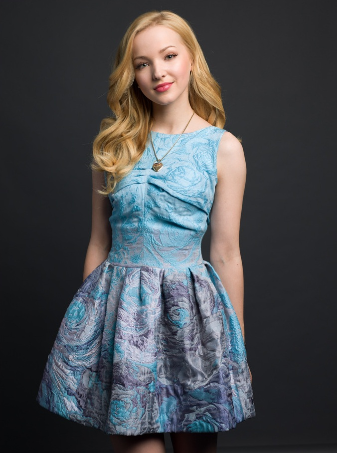 Dove Cameron Smileing Images