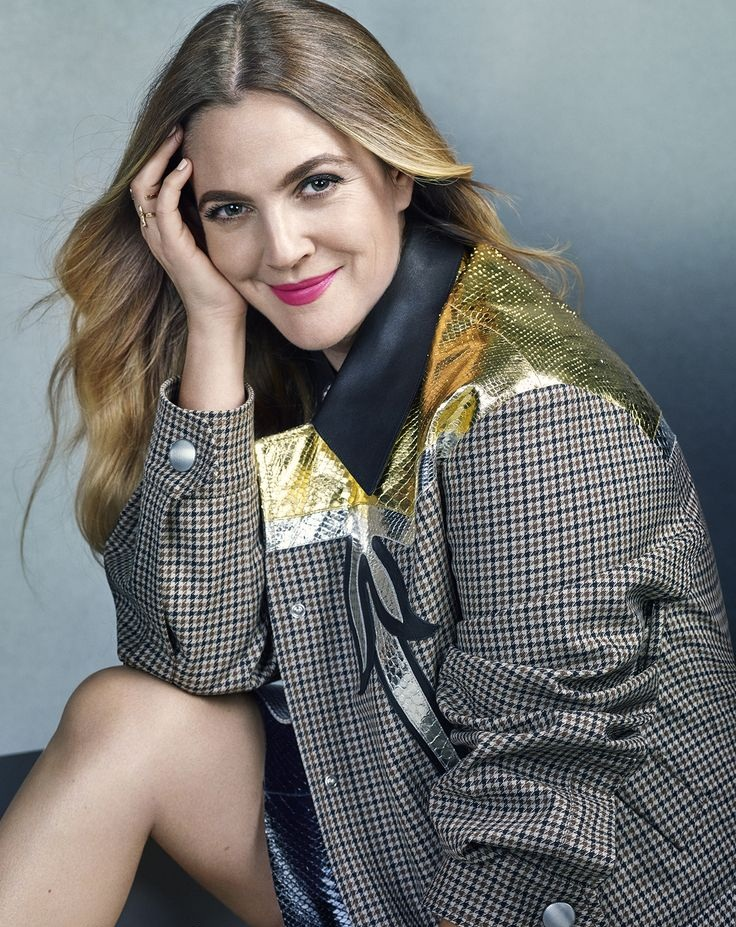 Drew Barrymore Shorts Wallpapers