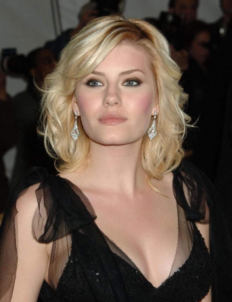 Elisha Cuthbert Braless Pictures