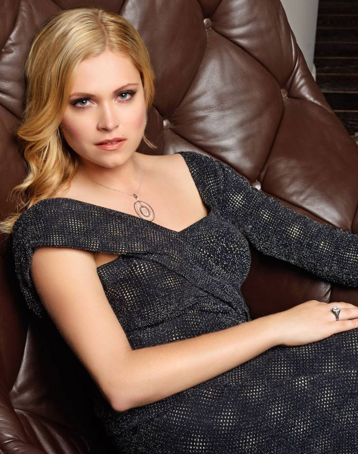 Eliza Taylor Cute Wallpapers