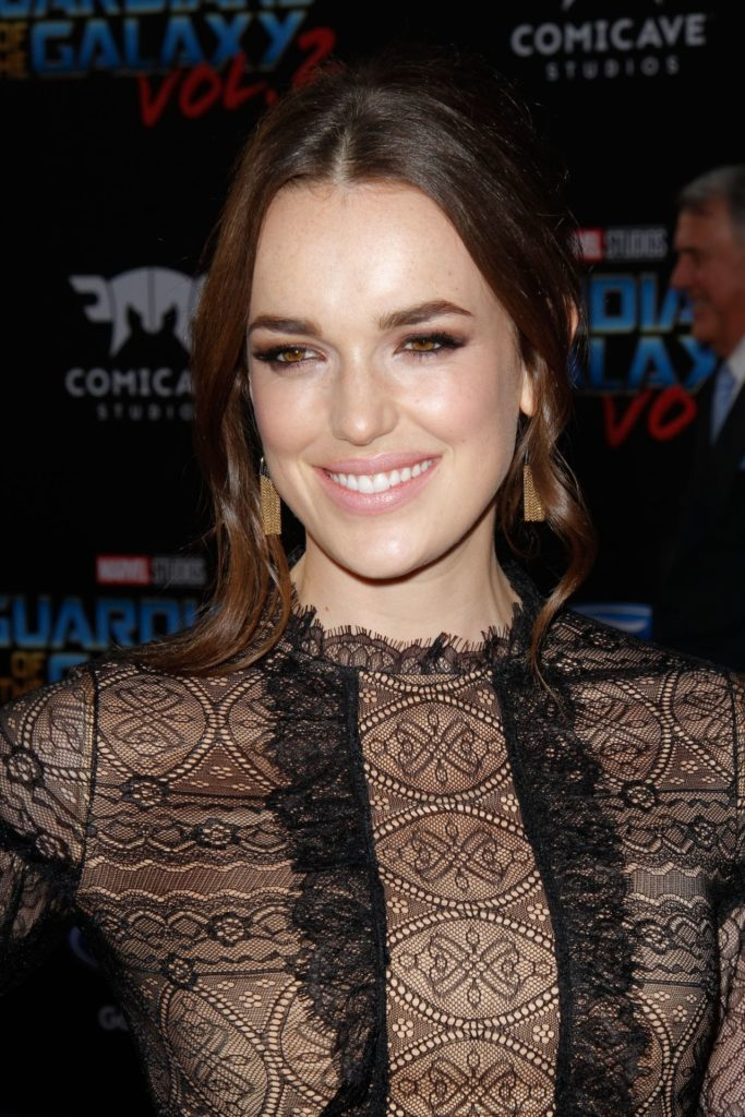 Elizabeth Henstridge Bathing Suit Pics