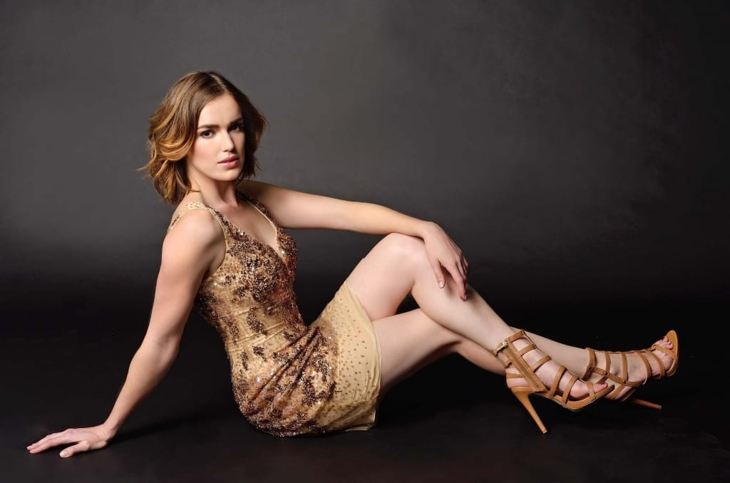 Elizabeth Henstridge Swimsuit Wallpapers