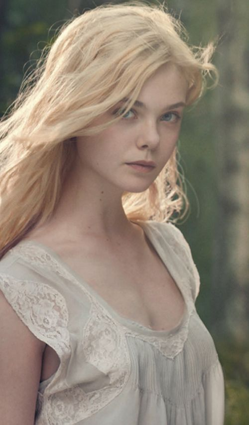 Elle Fanning Boobs Pictures