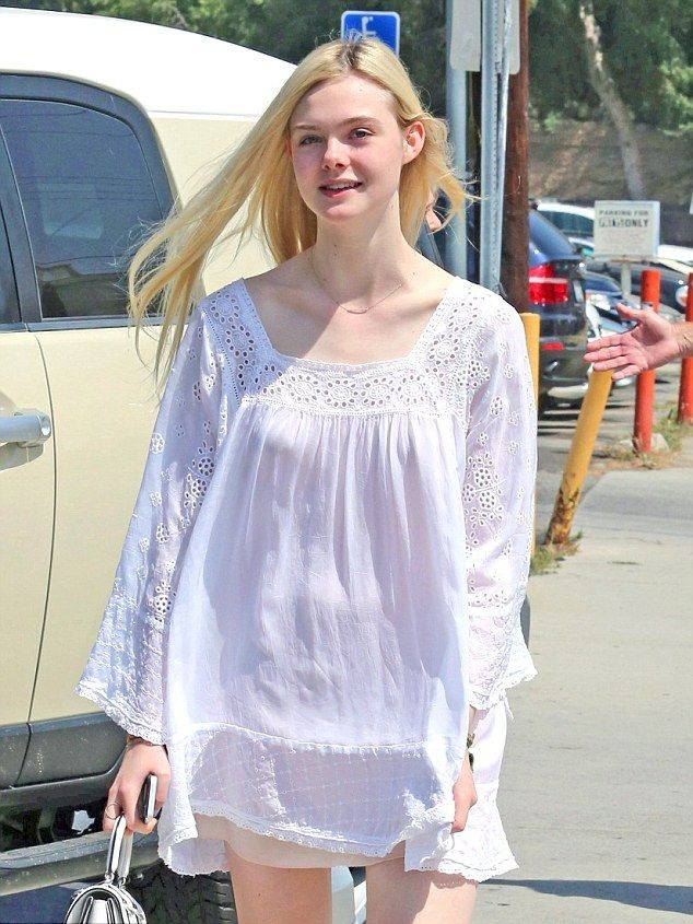 Elle Fanning Hair Style Images