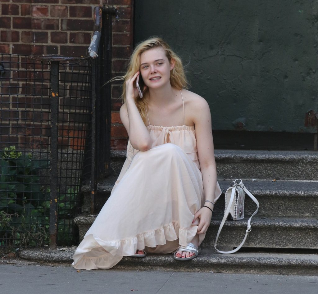 Elle Fanning Oops Moment Pictures