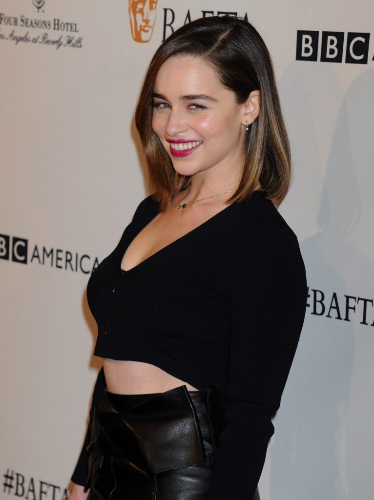 Emilia Clarke Bra Photos