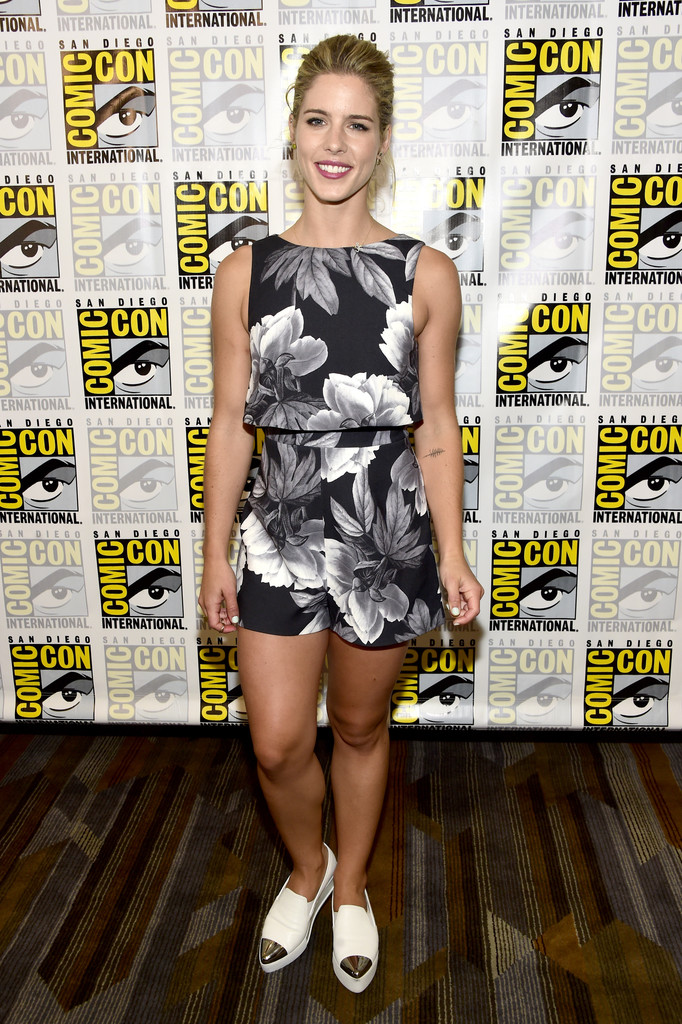 Emily Bett Rickards High Heals Photos