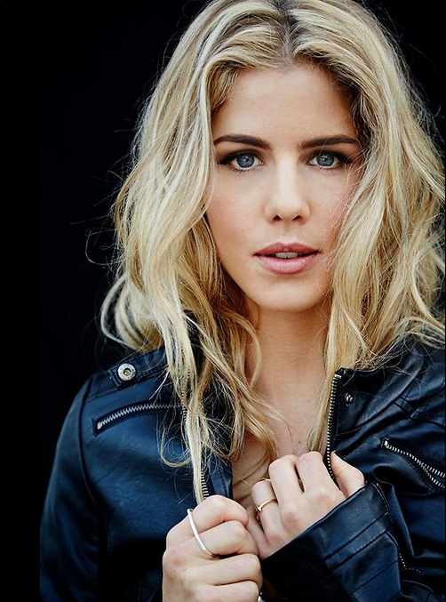 Emily Bett Rickards Sexy Eyes Photos