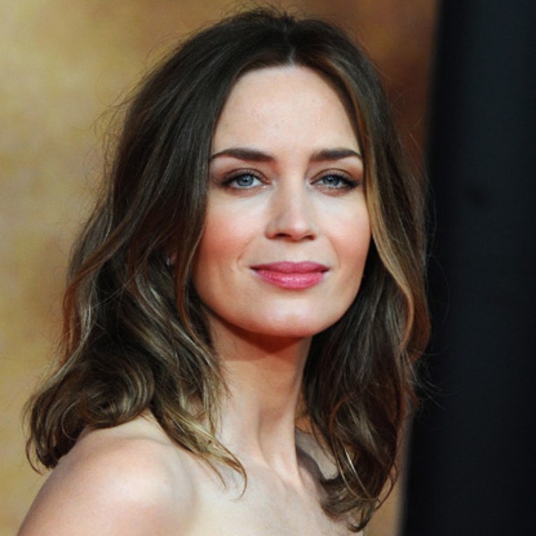 Emily Blunt Cleavage Photos