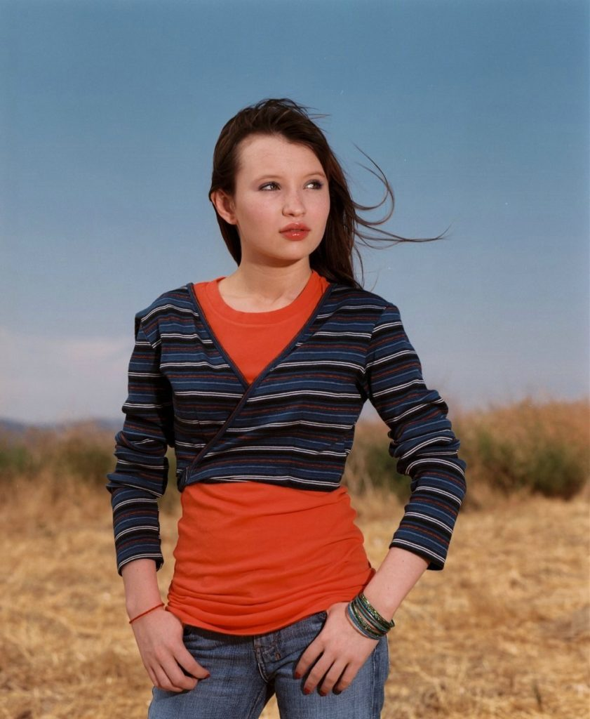 Emily Browning Jeans Pics