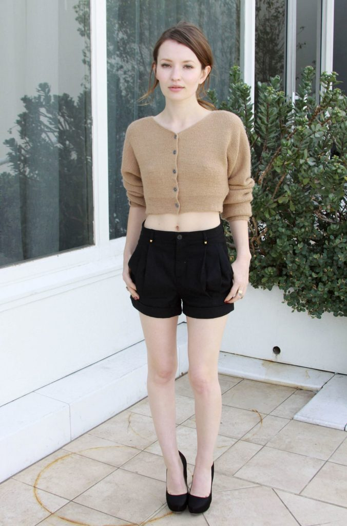 Emily Browning Legs Pictures