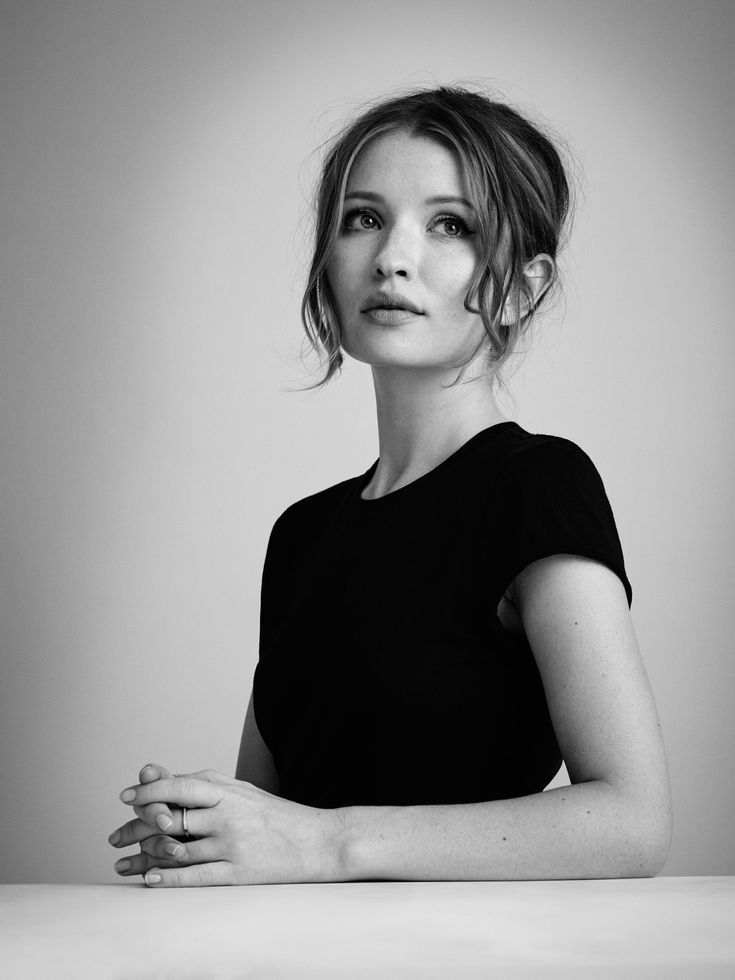 Emily Browning Short Hair Photos