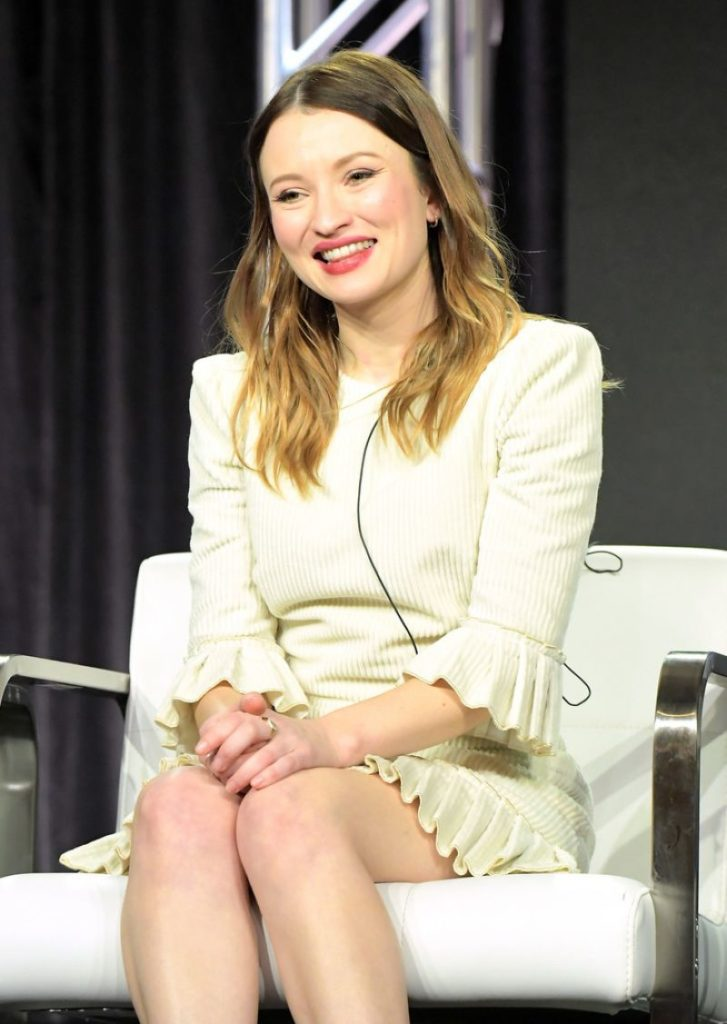 Emily Browning Thighs Photos