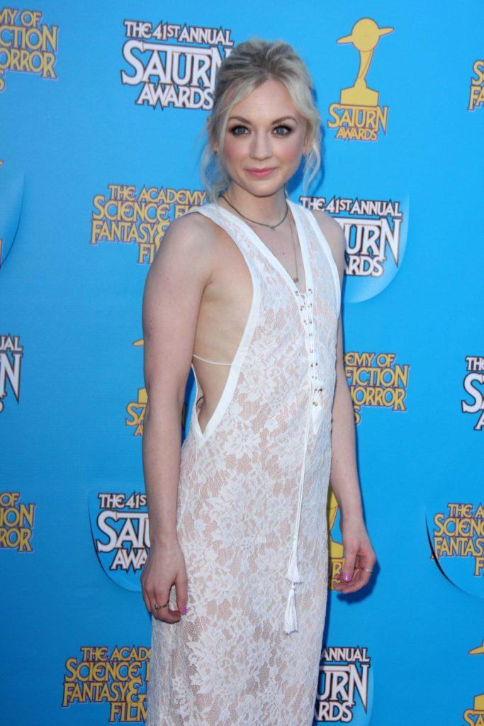 Emily Kinney Sexy Images