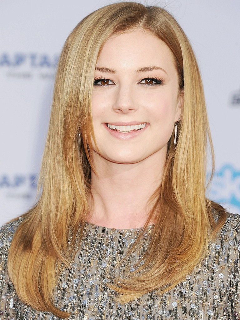 Emily VanCamp Hair Style Images