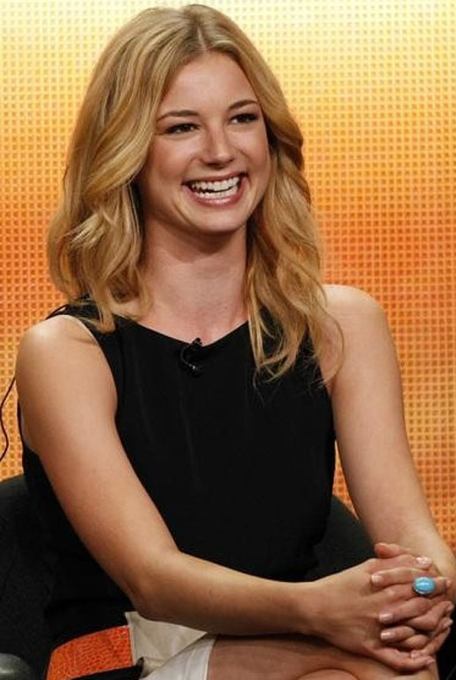Emily VanCamp Haircut Wallpapers