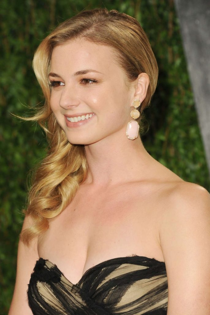 Emily VanCamp Muscles Pics