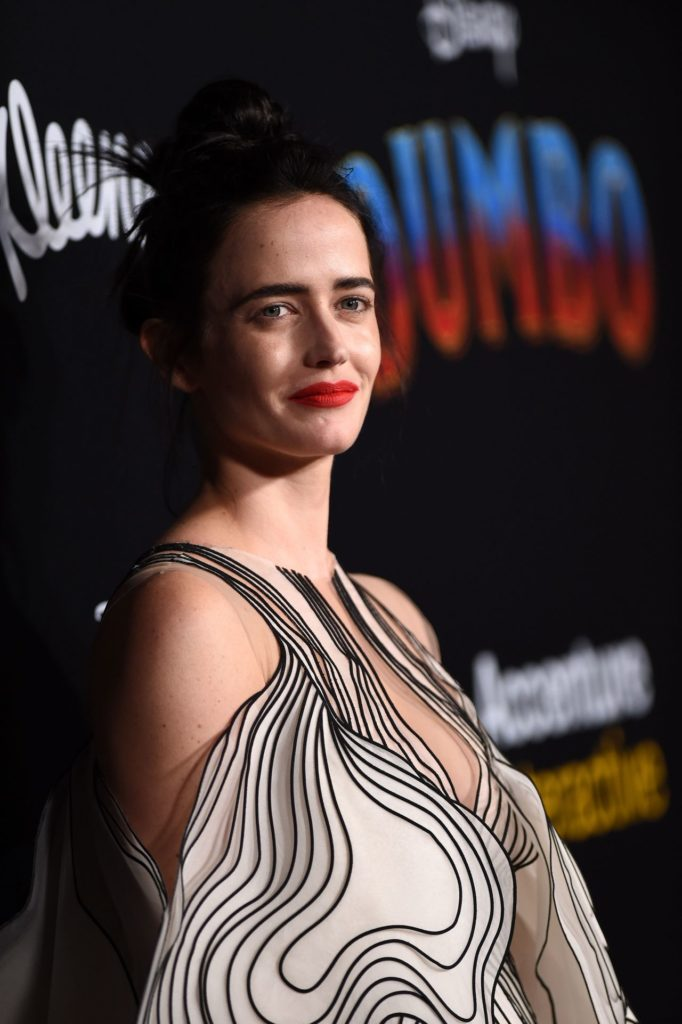 Eva Green Cleavage Pics