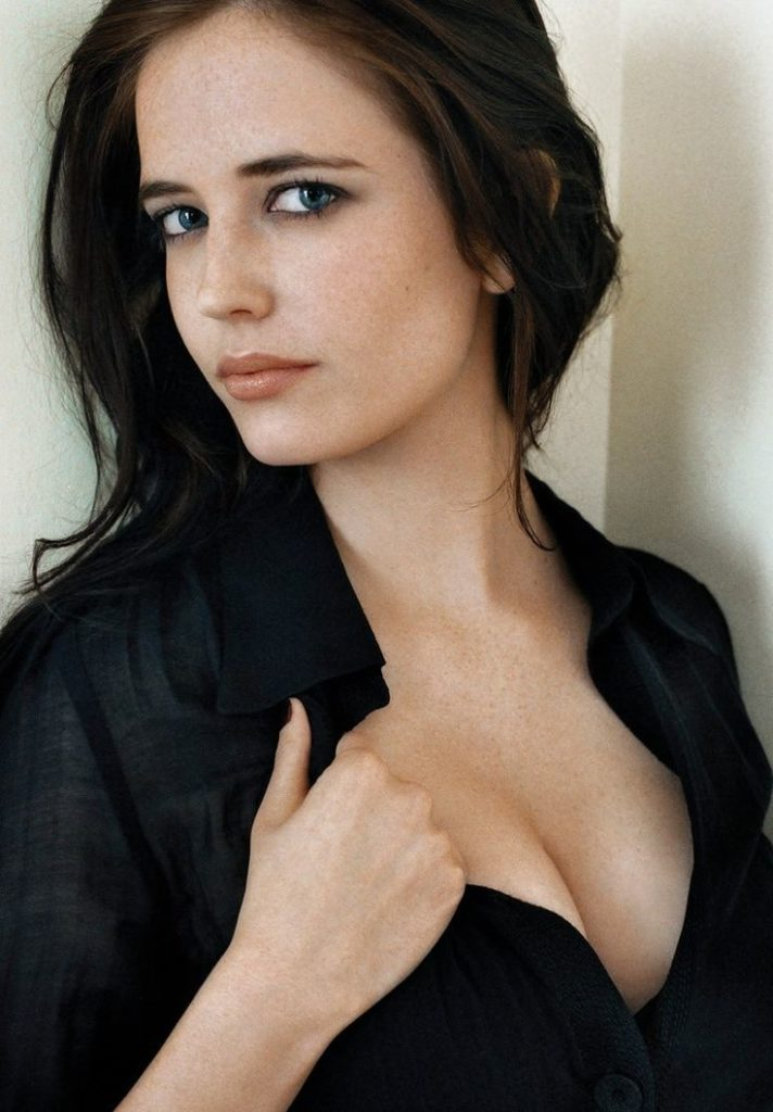 Eva Green Smile Face Photos