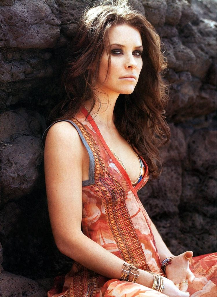 Evangeline Lilly Muscles Pics