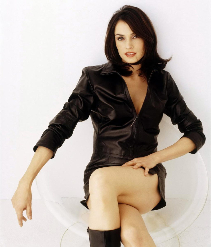 Famke Janssen Smileing Wallpapers