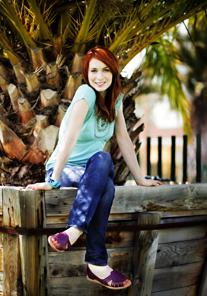 Felicia Day Oops Moment Pictures