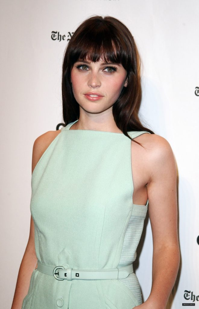 Felicity Jones Makeup Images
