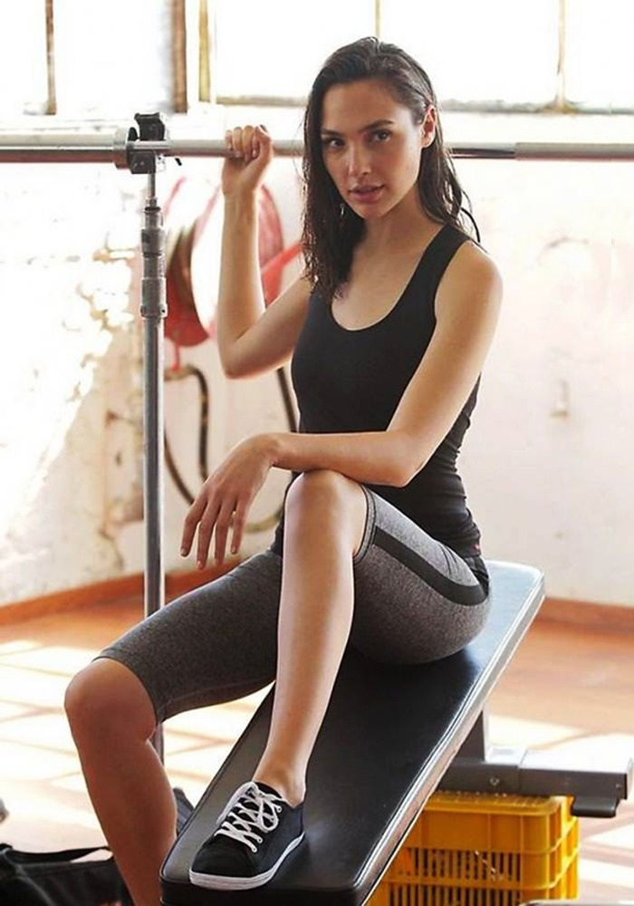 Gal Gadot Legs Pictures