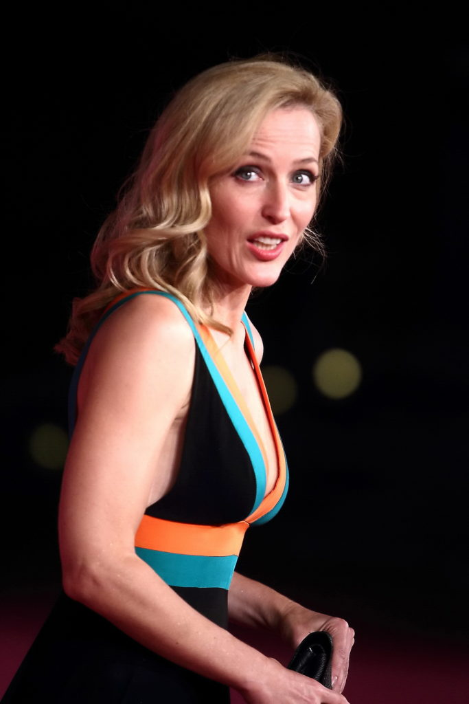 Gillian Anderson Bathing Suit Photos