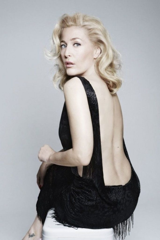Gillian Anderson Swimsuit Wallpapers